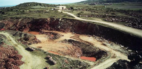 Cantera Cuarcita Cobre Jbernardos Cantera Ayuso Domingo Garcia, Segovia cantera piedra canteras de cuarcita cuarcita