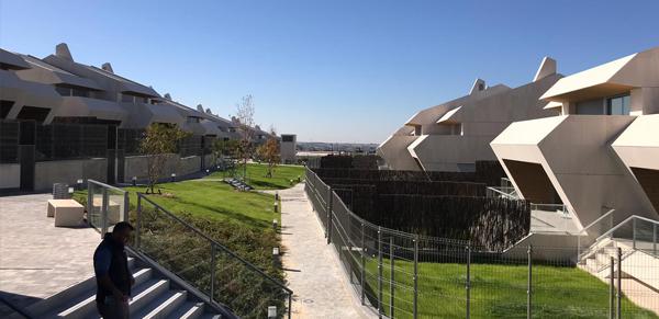 caliza-urbanizacion-blog-naturpiedra-jbernardos3